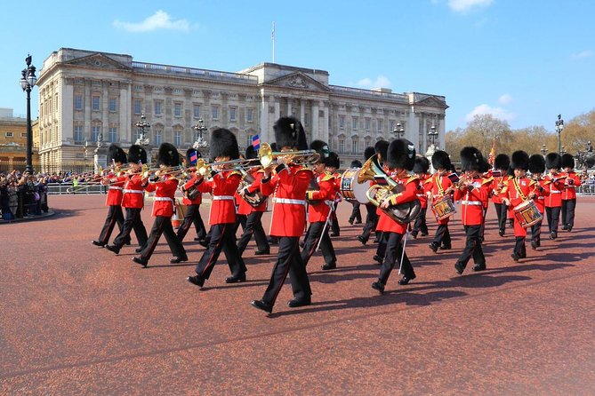Tour of London with Changing of the Guard and Buckingham Palace Access
