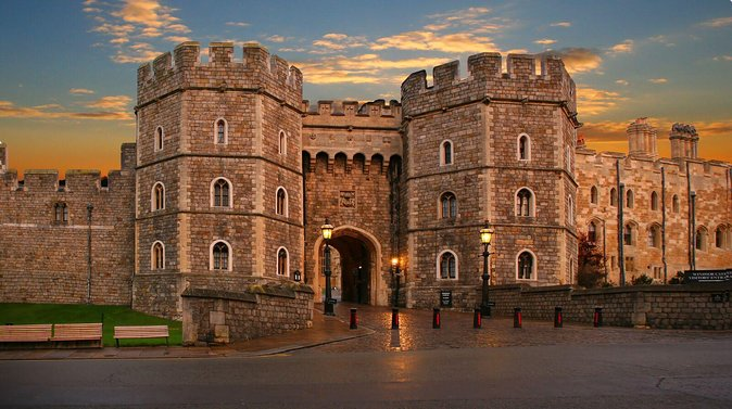 Windsor Castle and Stonehenge Extended Visit with Admission
