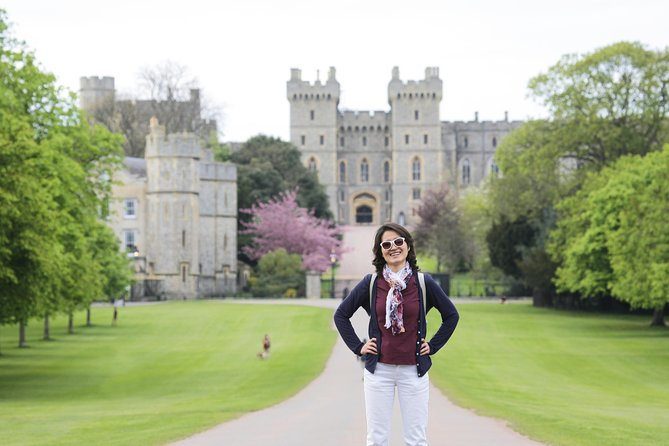 Windsor Castle, Stonehenge and Bath Tour from London with Admission