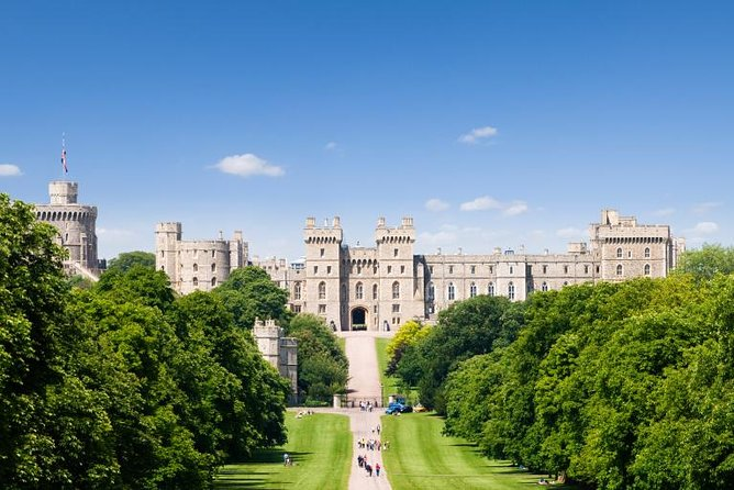 Simply Windsor Castle Tour from London with Transportation and Audio Guides
