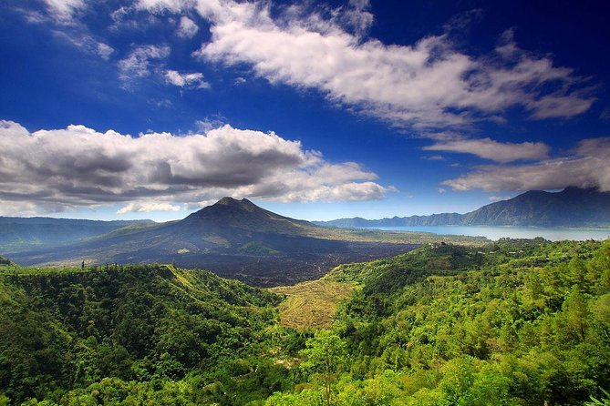 Ubud and volcano tour