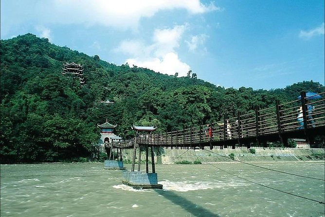 Qingcheng Mountain and Dujiangyan Irrigation System Day Trip from Chengdu photo 2