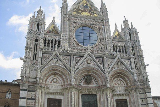 Evite las colas: recorrido a pie por la ciudad y el Duomo de Siena