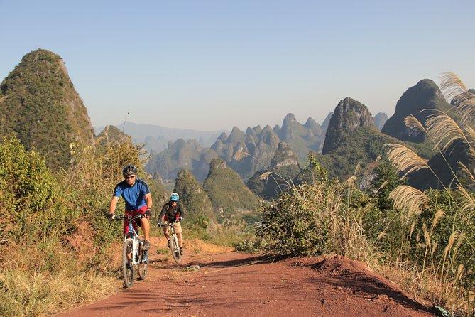 Aventura de bicicleta de pequeno grupo em 5 dias em Yangshuo com escalada, caminhadas, canoagem ou aula de culinária