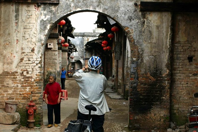 2-Day Small-Group Biking Adventure from Guilin to Yangshuo