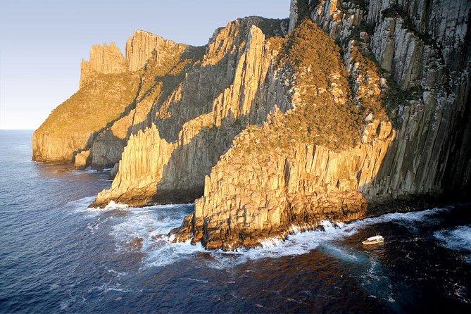 Tasman Island Cruises Day Tour from Hobart