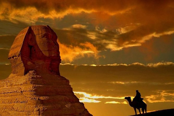 Private Tour Pyramids of Giza During Sunset or Sunrise by Camel