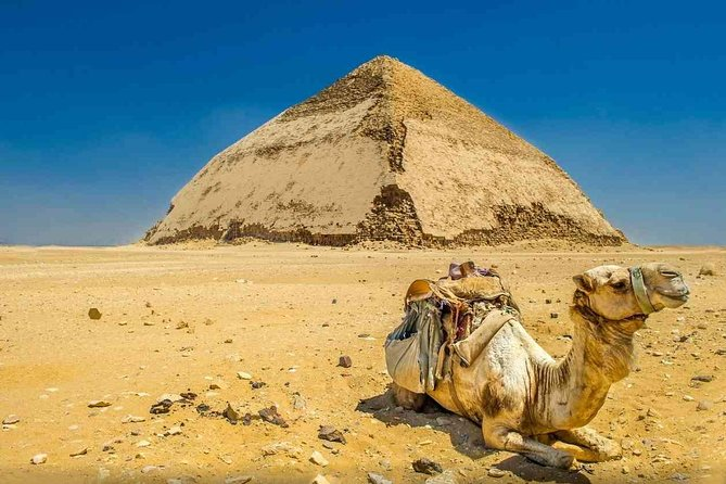 Private Day Tour to Memphis and Dahshur with Egyptian Lunch from Cairo