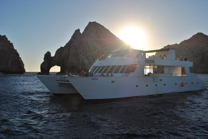 Cabo San Lucas Sunset and Dinner Cruise