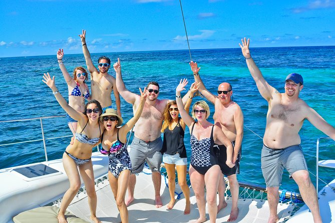 Punta Cana: Party Boat Cruise with Snorkeling