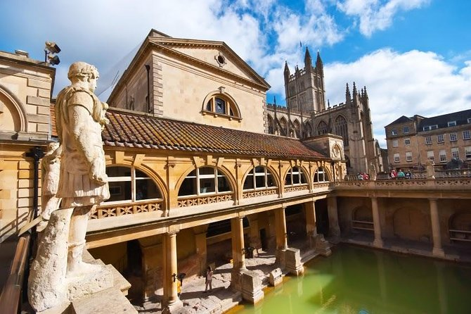 Southampton - London Transfer with a Visit to Bath and Windsor