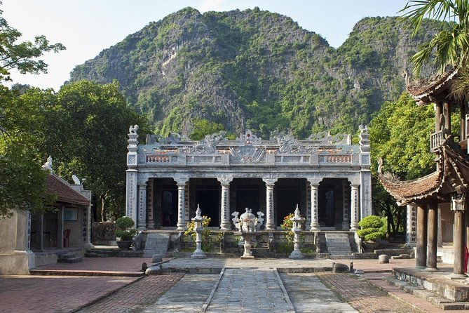 Tam Coc- Ninh Binh Bicycle and Boat Full-Day Tour from Hanoi