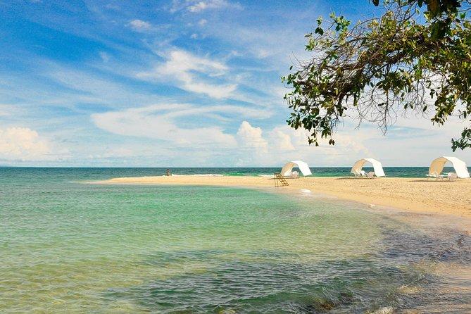 Viagem diurna à praia de Bendita saindo de Cartagena, incluindo almoço tradicional colombiano