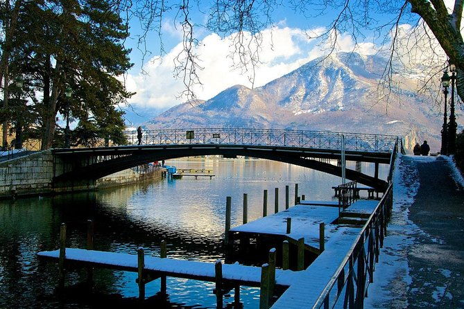 Winter Ski Tour: Annecy City and Wine Degustation