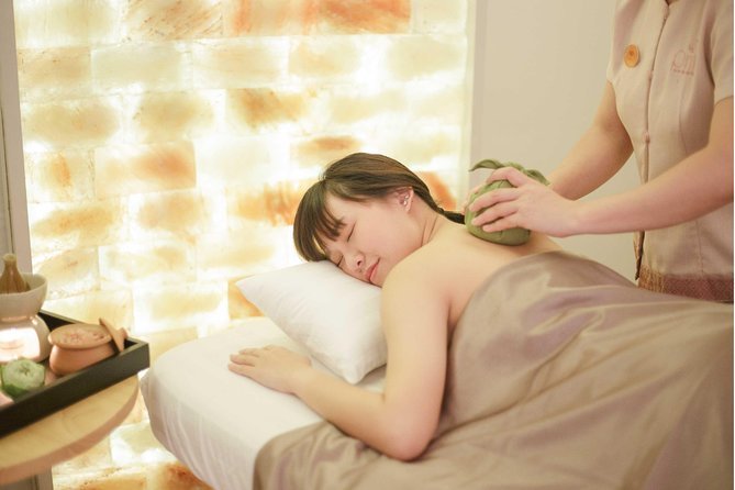 150 minuten Himalayan Salt Thai Spa Expereince in Thonglor Bangkok