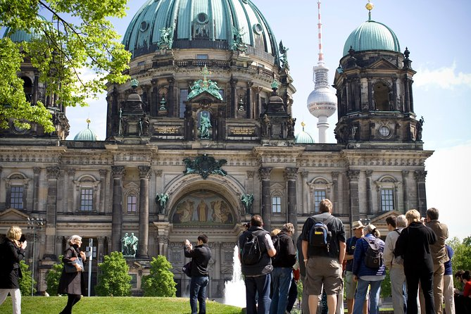 Explore Berlin Shore Excursion: Top Attractions Private Tour from Warnemuende