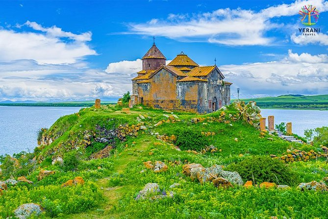 Privat tur från Jerevan: Sjö Sevan (Sevanavank), Noratus, Hayravank kloster