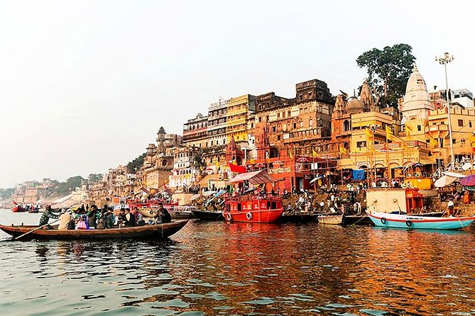 Private 5-Hour Varanasi Tour at Dawn Including Boat Ride