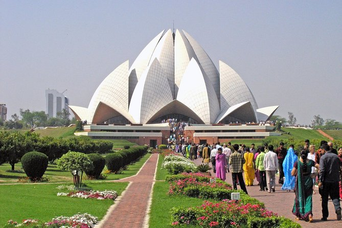 Private Delhi tour with Lotus Temple, ISKCON and Connaught Place with Dinner