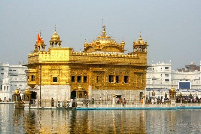 Golden Temple and Wagah Border Private Tour with Punjabi Lunch