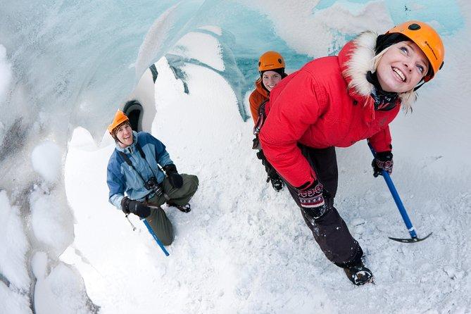 Experiencia de glaciar en un grupo pequeño del glaciar Solheimajokull
