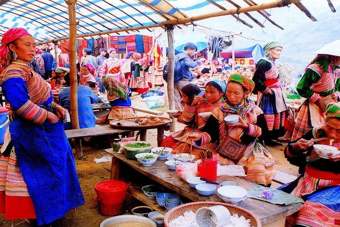 Sapa and Bac Ha market group tour 2 days - train and bus from Hanoi