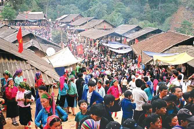 4 nights 3 days Private tour Sapa trekking and Bac Ha market homestay experience