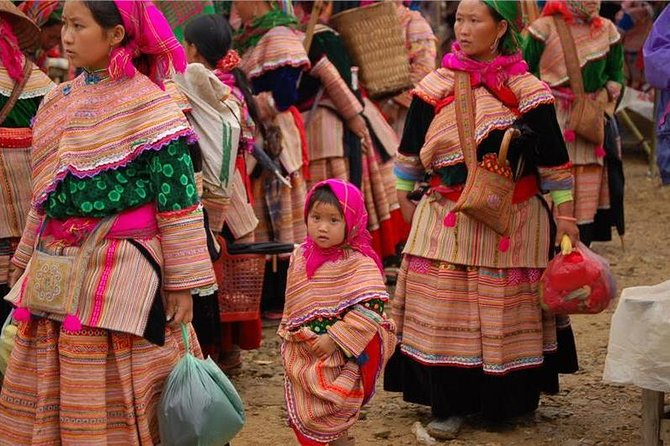 2 days 2 nights Private tour Coc ly market and Sapa trekking from Hanoi