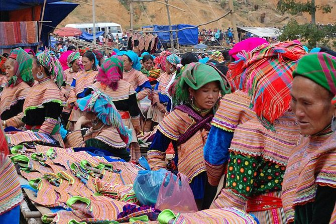 3 nights 2 days Private tour Can Cau and Bac Ha market (Sapa) from Hanoi