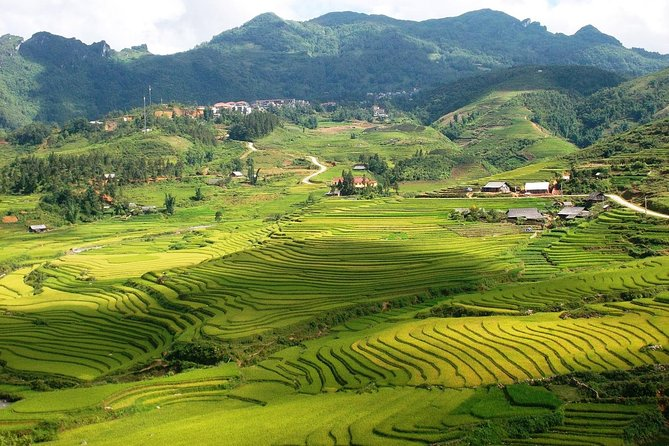Sapa trekking 2 days 2 nights group tour - hotel from Hanoi