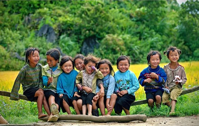 Sapa Trekking 2 days 1 night group tour with homestay and day bus from Hanoi
