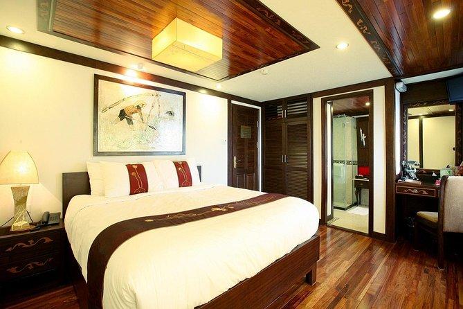 Indochina Sails Junk Cruise Ha Long 2 jours 1 nuit au départ de Ha Noi