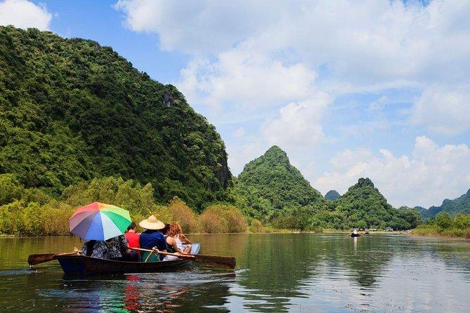 Private 4 days 3 nights Hanoi Hoa Lu Tam Coc Mai Chau biking tour