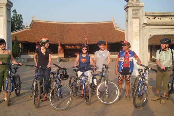 Bat Trang Ceramics village biking tour from Ha Noi