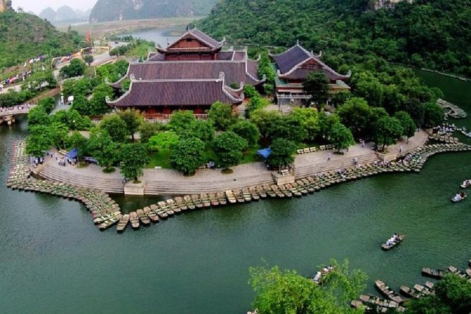 Group Full day Tam Coc Tours Visiting Bai Dinh Trang An Boating Trip