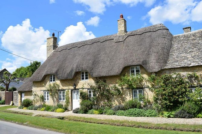 Cotswolds Villages Full-Day Small-Group Tour from Oxford