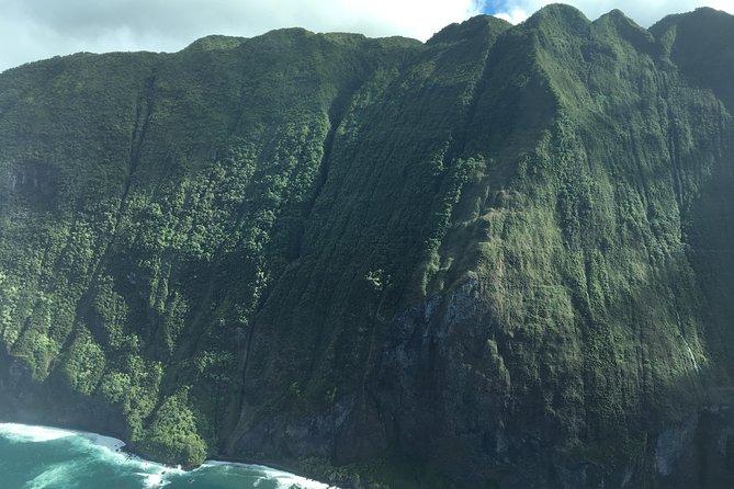 Splendorous Sea Cliffs of Molokai Air Tour- Kahului Departure