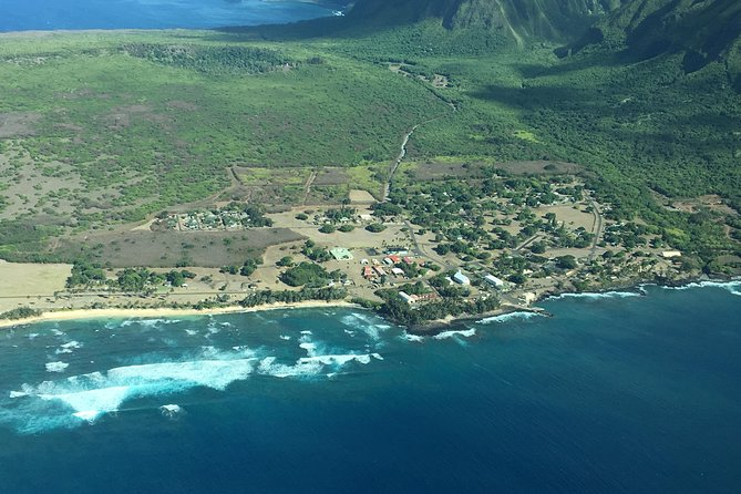 Molokai Topside Explorer Air and Ground Tour from Maui