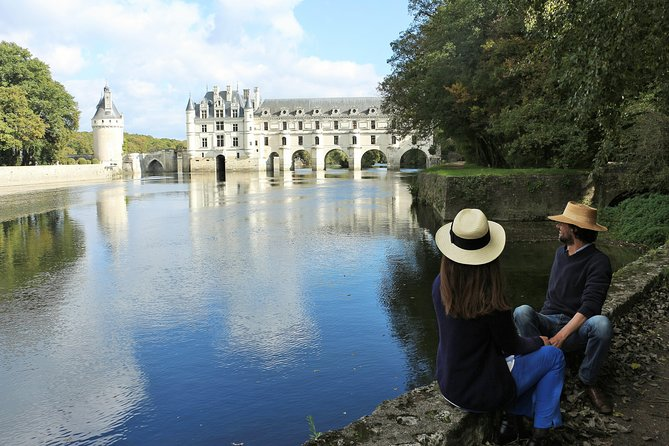 Small-Group Tour to Chambord, Chenonceau and lunch at a private chateau