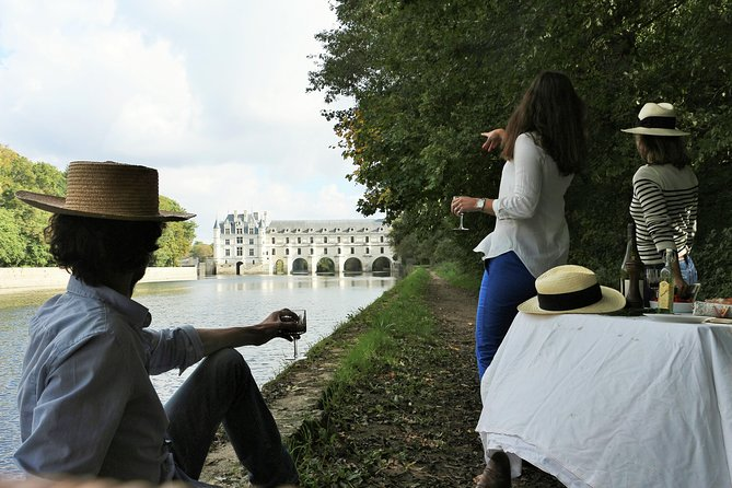 Small-Group Tour to Chambord, Chenonceau and a family-owned chateau
