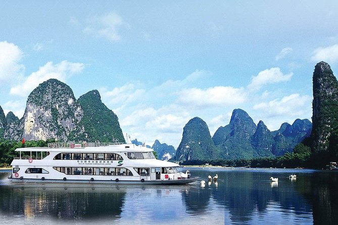 Private Day Tour: Cruise on Li River & Leisure time in Yangshuo