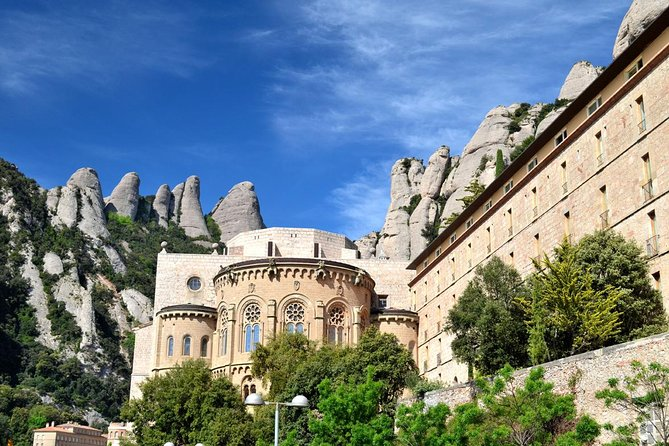Montserrat Day Trip from C.Brava Including Train Ride and Montserrat Monastery