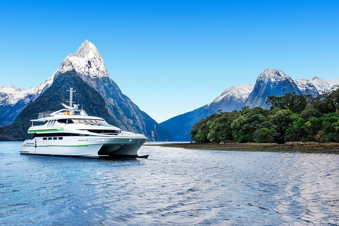 Premium Milford Sound Cruise with Optional Coach Tour