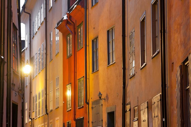 Explore the quaint cobbled streets and admire the architecture of the Gamla Stan!