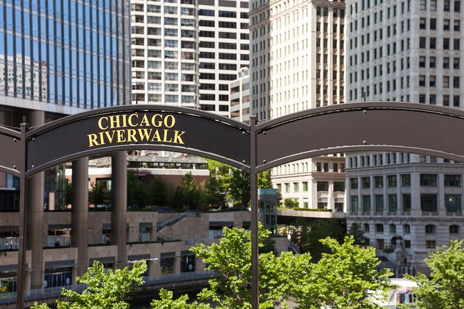 See the sights along the newly completed Chicago Riverwalk