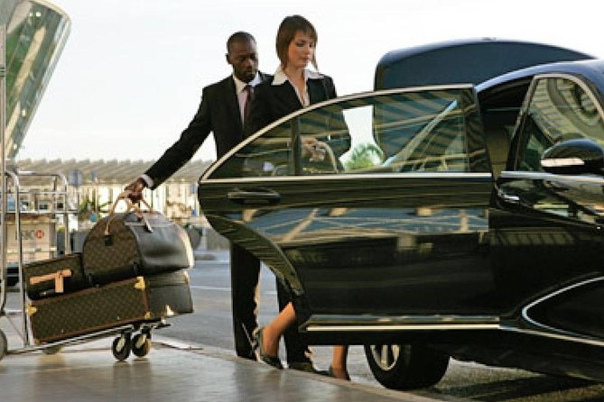 Low Cost Private Transfer From Mönchengladbach Airport to Düsseldorf City - One Way