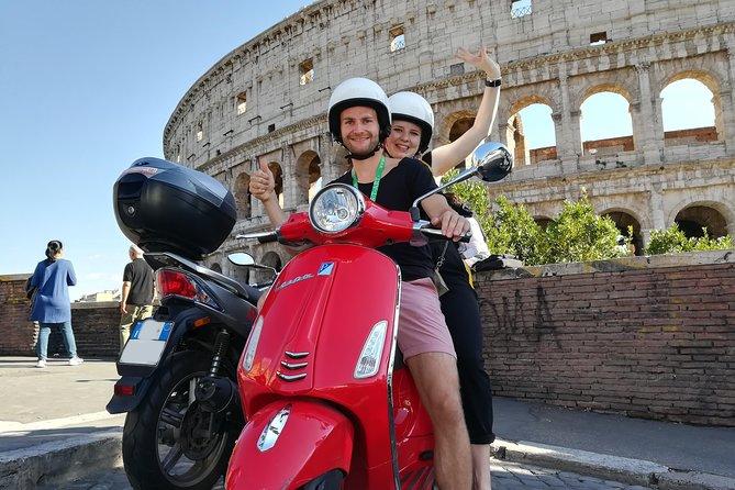 Vespa 125cc Rental in Rome