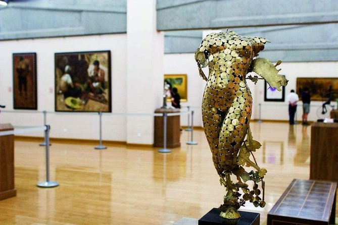 Private Beijing Art Tour including Red Gate Gallery, 798 Art Zone and Guanfu Museum