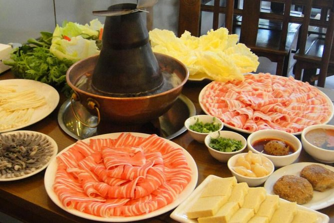 Private Evening Hutong Walking Tour with Mongolia Hotpot Dinner