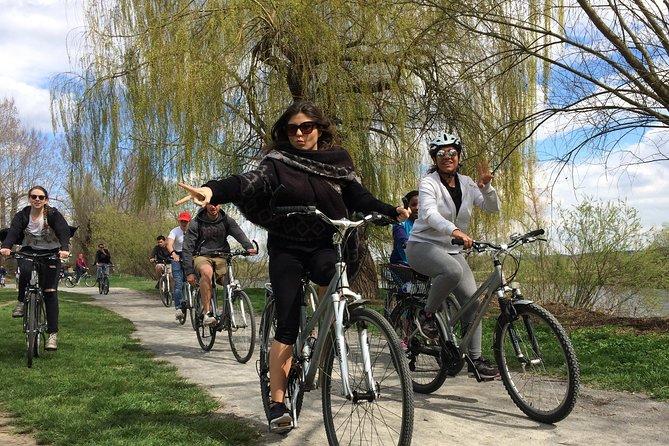 Countryside Tour on E-Bikes from Prague to Karlstejn Castle